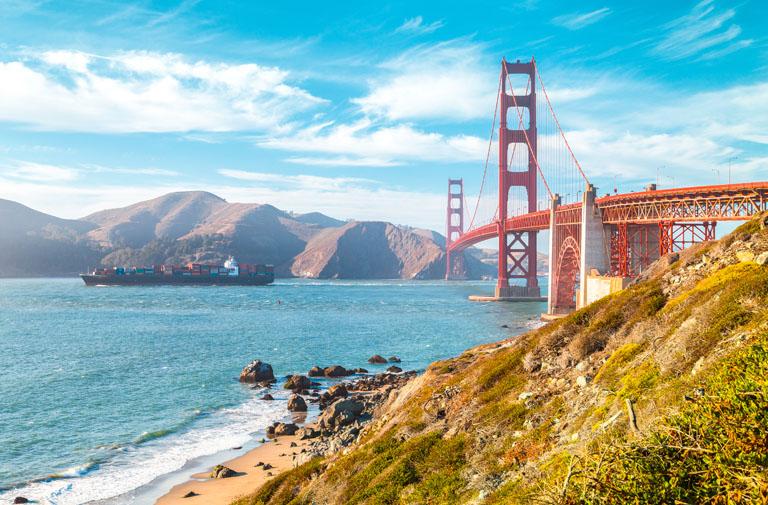 Golden Gate Bridge bei Sonnenuntergang, San Francisco, Kalifornien, USA